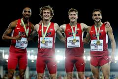 USA's Duane Solomon, Eric Sowinski, Casimir Loxsom and Robby Andrews, winners of the men's 4x800m at the IAAF/BTC World Relays, Bahamas 2015 (Getty Images)