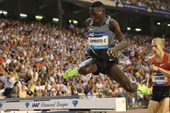 Conseslus Kipruto in the 3000m steeplechase at the IAAF Diamond League final in Brussels (Giancarlo Colombo)