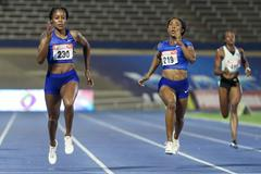 Elaine Thompson beats Shelly-Ann Fraser-Pryce in the 200m at the Jamaican Championships (Athelstan Bellamy)