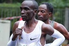 Eliud Kipchoge en route to the Berlin Marathon title (Victah Sailer/organisers)