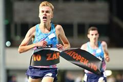 Stewart Mcsweyn wins the men's race at the Zatopek 10,000 (Getty Images)