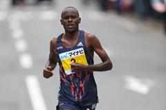 Patrick Makau during the 2015 Fukuoka Marathon (Takefumi Tsutsui / Agence SHOT)