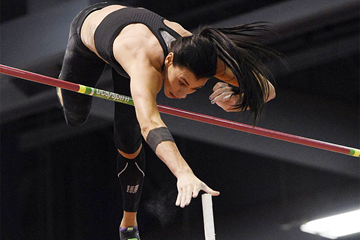 USA's Demi Payne clears 4.88m in the pole vault (Randy Miyazaki)