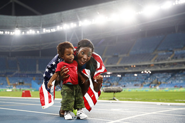 Nia Ali and son Titus Maximus celebrate in Rio ()