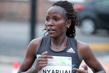 Veronica Nyaruai on her way to winning the Houston Half Marathon (Victah Sailer / organisers)