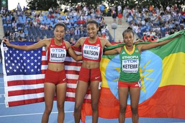 800m medallists: Aaliyah Miller (silver), Samantha Watson (gold)and Tigist Ketema (bronze) at the IAAF World U20 Championships Bydgoszcz 2016 (Getty Images)