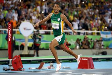 Wayde van Niekerk wins the 400m at the Rio 2016 Olympic Games (Getty Images)