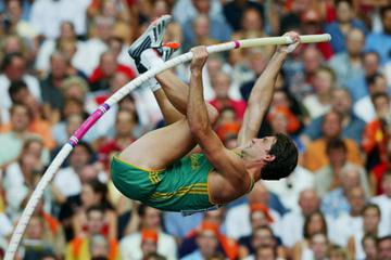 Okkert Brits of South Africa wins silver in the men's pole vault (Getty Images)