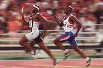 USA win the 4x400m final (IAAF.org)