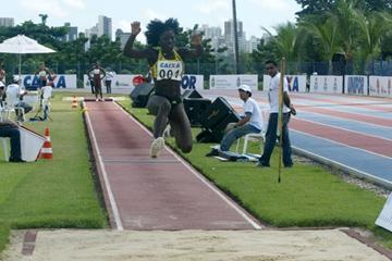 Yargelis Savigne lands at 14.73 in Fortaleza (Luiz Carlos Moreira/CBAt)