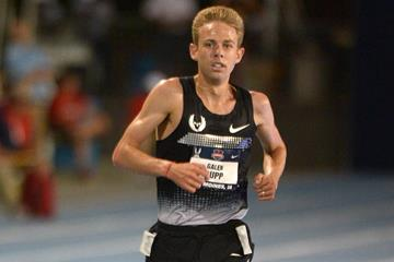 Galen Rupp on his way to winning the 2013 US 10,000m title (Kirby Lee)