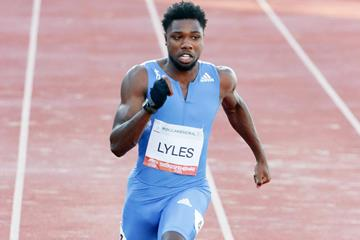 Noah Lyles en route to his 100m win in Szekesfehervar (Bob Ramsak)