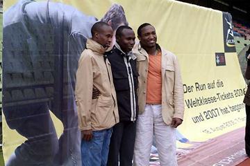 Shaheen, Kipketer, Martinez at the at Zürich's famous Letzigrund stadium (Dieter Baumgartner)