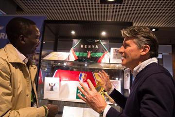 Paul Tergat and Seb Coe at the IAAF Heritage Cross Country Running Display in Aarhus (Bob Ramsak)