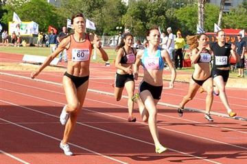 Mother Irina Lenskiy (l) edging daugther Olga (r) over 100m in Tel Aviv (Daniel Kimchi)