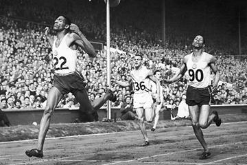 Herb McKenley holds on for the 400m silver medal at the 1948 Olympics (Getty Images)