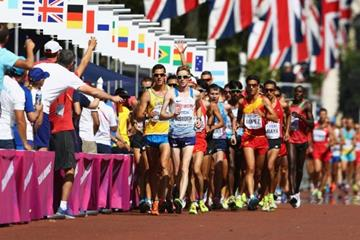 Tom Bosworth leads the 20km race walk at the IAAF World Championships London 2017 (Getty Images)