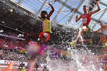 Getnet Wale and Soufiane El Bakkali in the steeplechase at the IAAF World Championships (AFP / Getty Images)