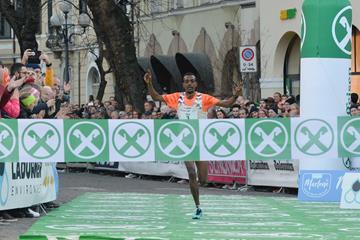 Tamirat Tola takes another Bolzano victory (Daniele Mosna)