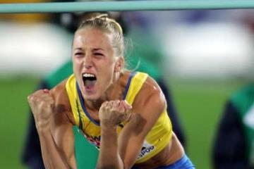 Kajsa Bergqvist celebrates winning the women's High Jump (Getty Images)
