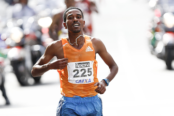 Ethiopian distance runner Dawit Fikadu (AFP / Getty Images)