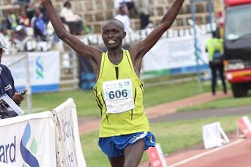 Wesley Kibet takes down the course record in Nairobi (Stafford Ondego, The Standard)
