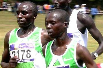 Evans Cheruiyot (2178), Hosea Macharinyang (2208) and Robert Cheruiyot (behind) battle for control of the race in Eldoret (David Macharia)