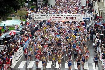 Start of 2003 Monaco Marathon outside IAAF HQ (c)