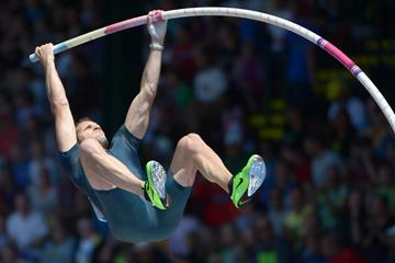 Renaud Lavillenie at the 2013 IAAF Diamond League in Eugene (Kirby Lee)