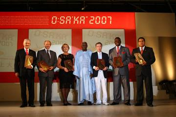 Recepients of the IAAF Plaques of Merit with IAAF President Lamine Diack in Osaka (Getty Images)