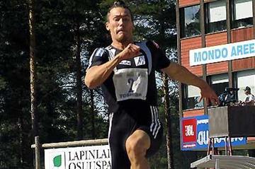Tommi Evilä (FIN) leaps to victory in Lapinlahti (Paula Noronen)