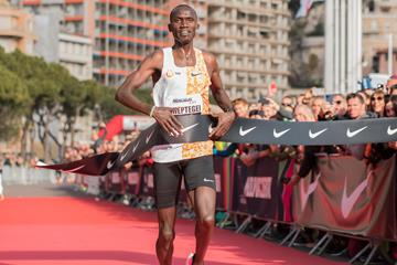 Joshua Cheptegei breaks the world 5km record in Monaco (Etienne Fiacre)