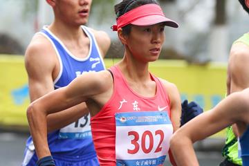 Liu Hong on her way to breaking the world 50km race walk world record in Huangshan (AFP / Getty Images)