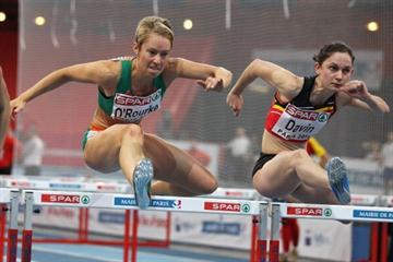 Derval O'Rourke of Ireland (L) and Elisabeth Davin of Belgium during the opening day of the 31st European Indoor Champs (Getty Images)