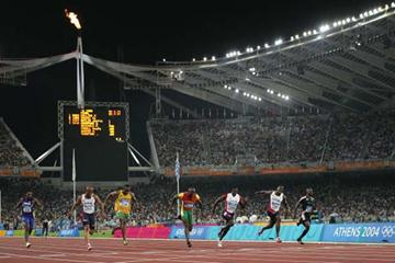 The finish of the men's 100m final - Gatlin, Obikwelu, Greene (Getty Images)