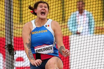 Alexandra Emilianov of Moldova in action in the discus throw in Tampere (Getty Images)
