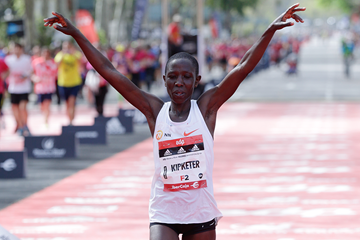 Valentine Kipketer wins the Madrid Marathon (Organisers)