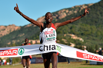 Aras Kaya wins the senior men's race at the European Cross Country Championships (Getty Images)