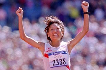 Naoko Takahashi winning Olympic Marathon gold in Sydney (Getty Images)