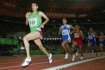 Hicham El Guerrouj in action in the men's 1500m final (Getty Images)