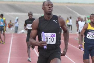 Usain Bolt in the 4x100m at the Gibson Relays in Kingston (TrackAlerts.com)