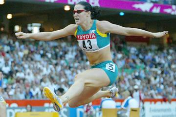 Jana Pittman in the 400m hurdles at the 2003 IAAF World Championships in Paris (Getty Images)