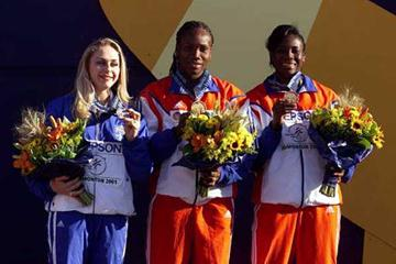 World Javelin medallists - Edmonton 2001 (Getty Images)