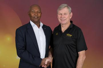 Kip Keino and Peter Snell in Barcelona (Philippe Fitte)