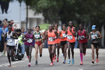 Women's lead pack at the 2016 Mexico City Marathon (Getty Images)