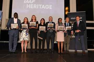 IAAF Heritage Trophies: 7 mutliple World Cross Country Champions on stage at the IAAF Dinner in Aarhus (Jiro Mochizuki for IAAF')
