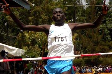 Moses Masai winning the senior men's 12km - 14th edition of the annual Discovery cross country (David Macharia)
