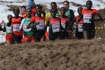 The lead pack in the senior women's race at the IAAF World Cross Country Championships (Getty Images)