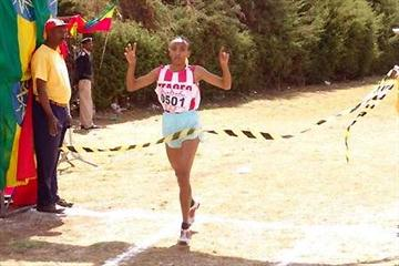 Meselech Melkamu wins the women's senior race at the 24th Jan Meda Cross Country International (Nahom Tesfaye)