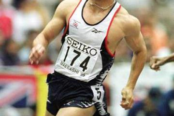 Jamie Baulch winning his 400m semi final (© Allsport)